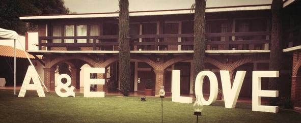 letras_gigantes_boda_luces_jardin_hotel_restaurante_poliestireno_xxl