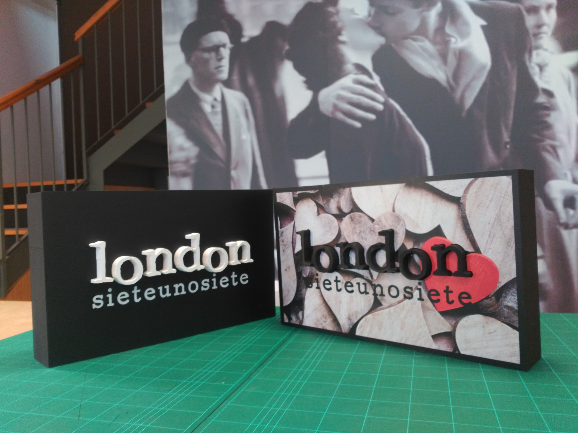 poliestireno_cartel_letrero_feria_letras_logo_ecofriendly_love_modasostenible_london717_londonsieteunosiete_moda_fashion_ESTELLA_NAVARRA_IMPRESIÓN_DISEÑO_VINILOS_ROTULACIÓN