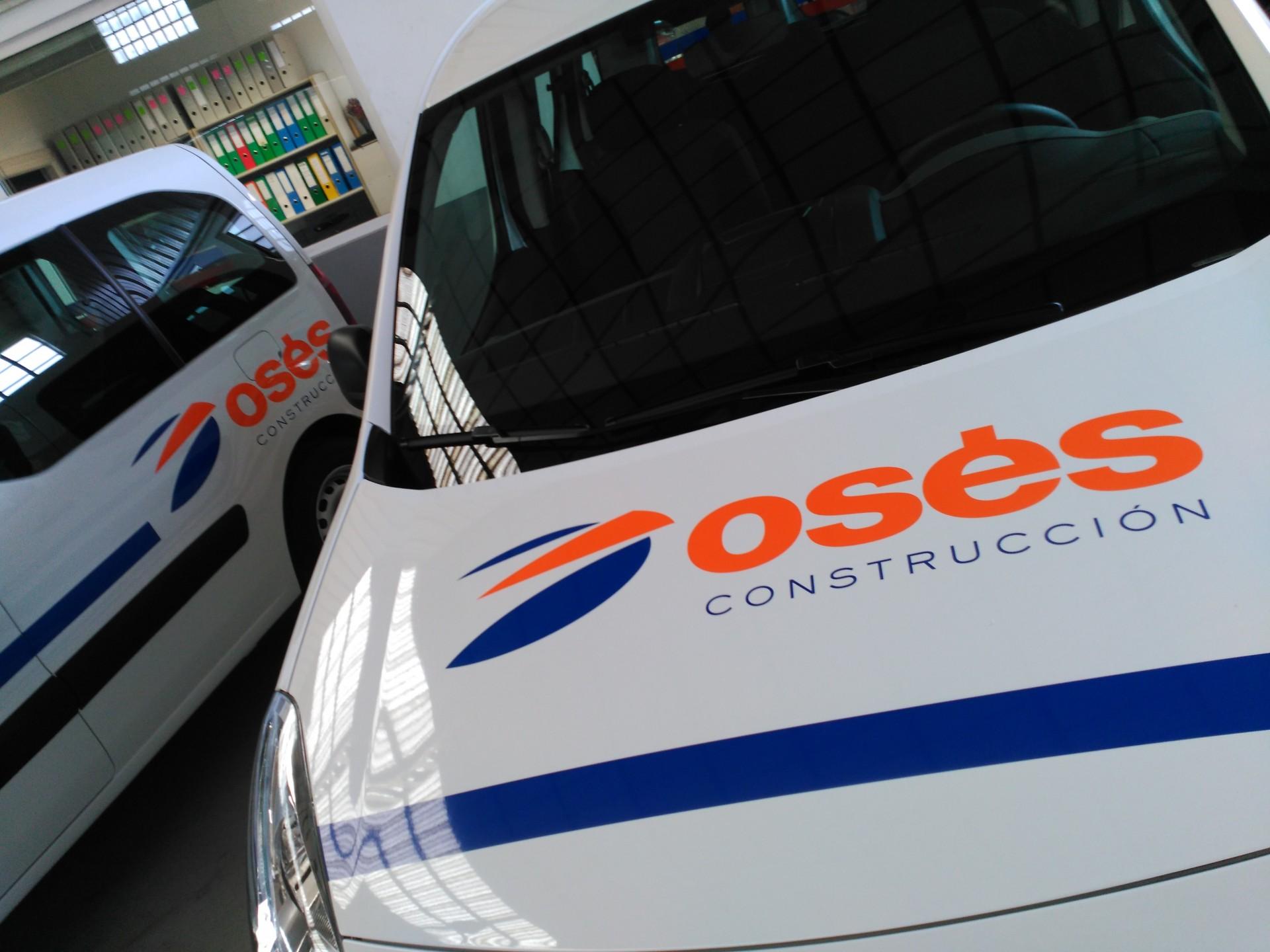 CONSTRUCCIONES OSÉS: rotulación de vehículos
