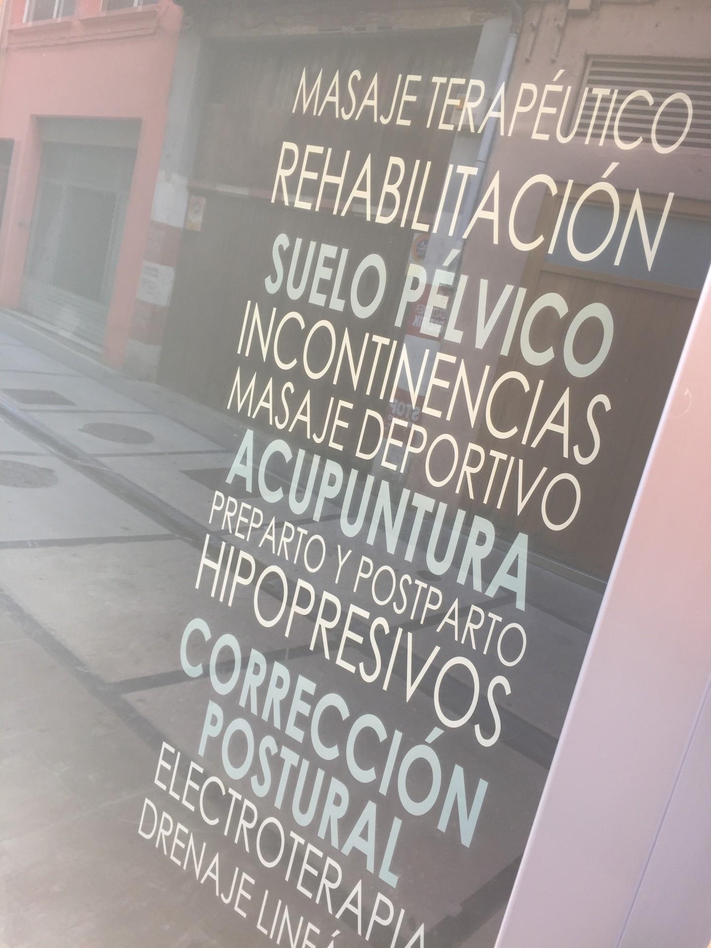 vinilos_letras_cartel_letrero_ESTELLA_NAVARRA_IMPRESIÓN_DISEÑO_VINILOS_ROTULACIÓN
