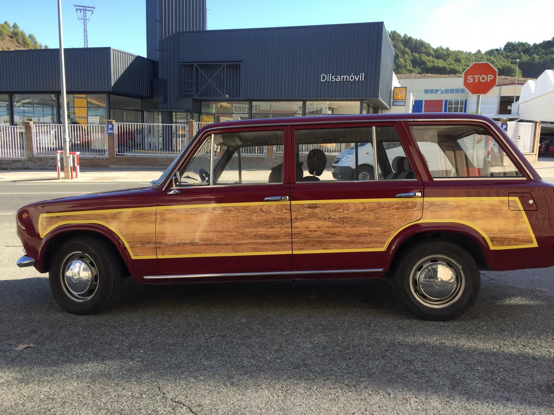 vintage_coche_vinilo_madera_rotulacion_vehículos_detalle_ESTELLA_NAVARRA_IMPRESIÓN_DISEÑO_VINILOS_ROTULACIÓN
